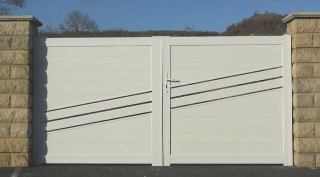 portail en PVC